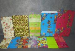 מעטפות אריזה במגוון צבעים ודוגמאות